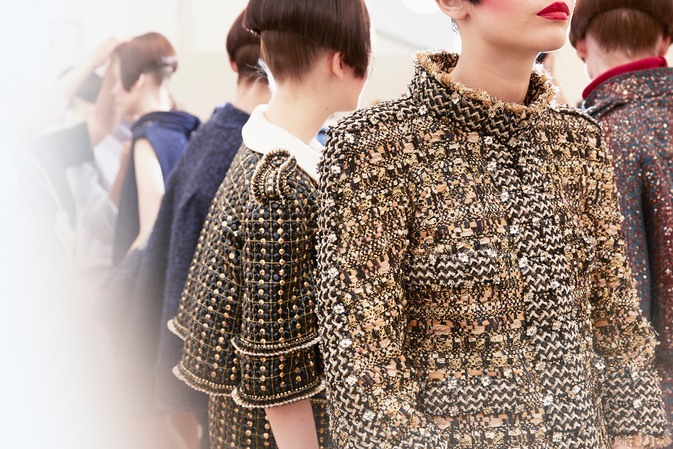 chanel-fall-winter-2015-16-haute-couture-backstage-12