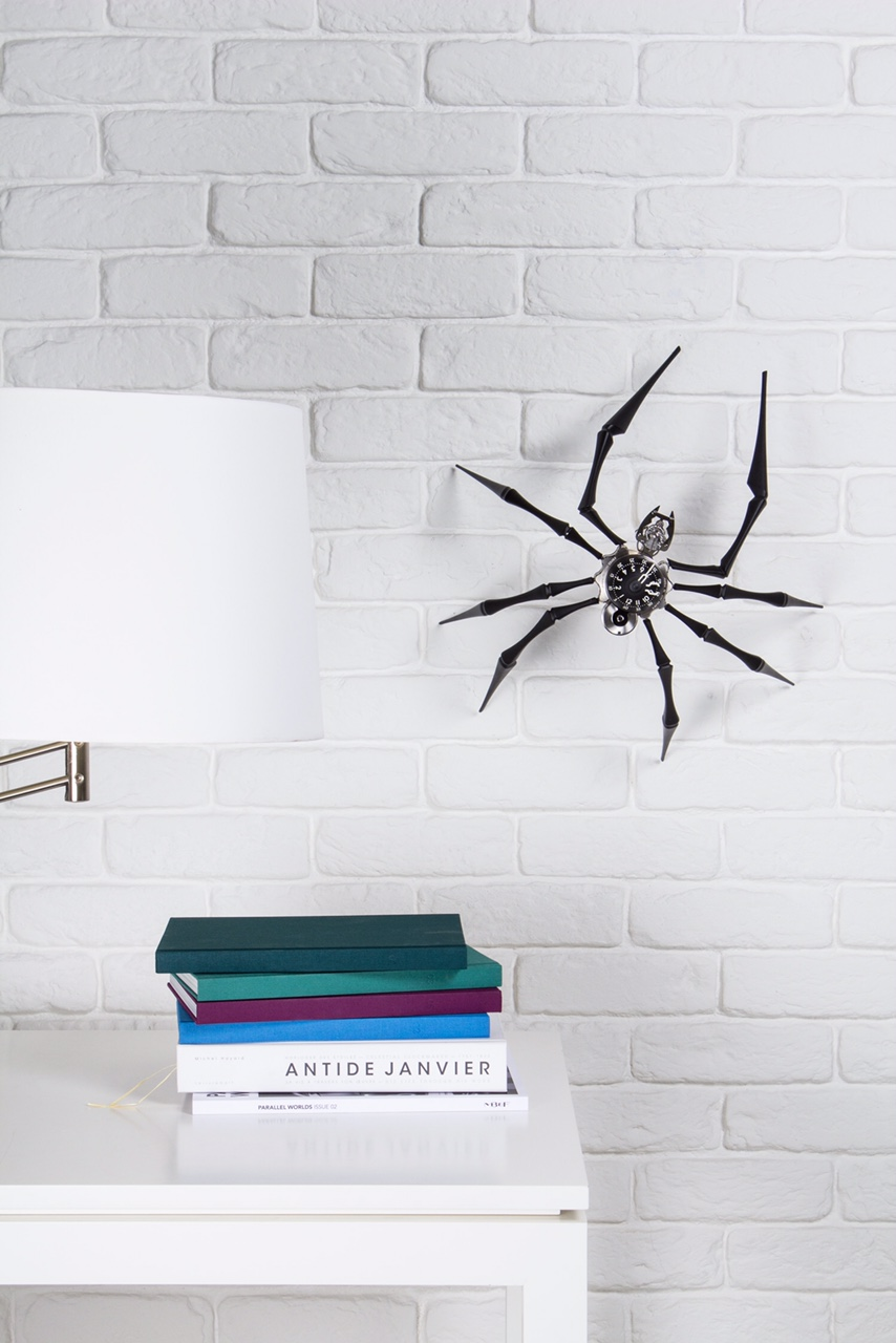 Arachnophobia_Insitu_2_Lres_RGB